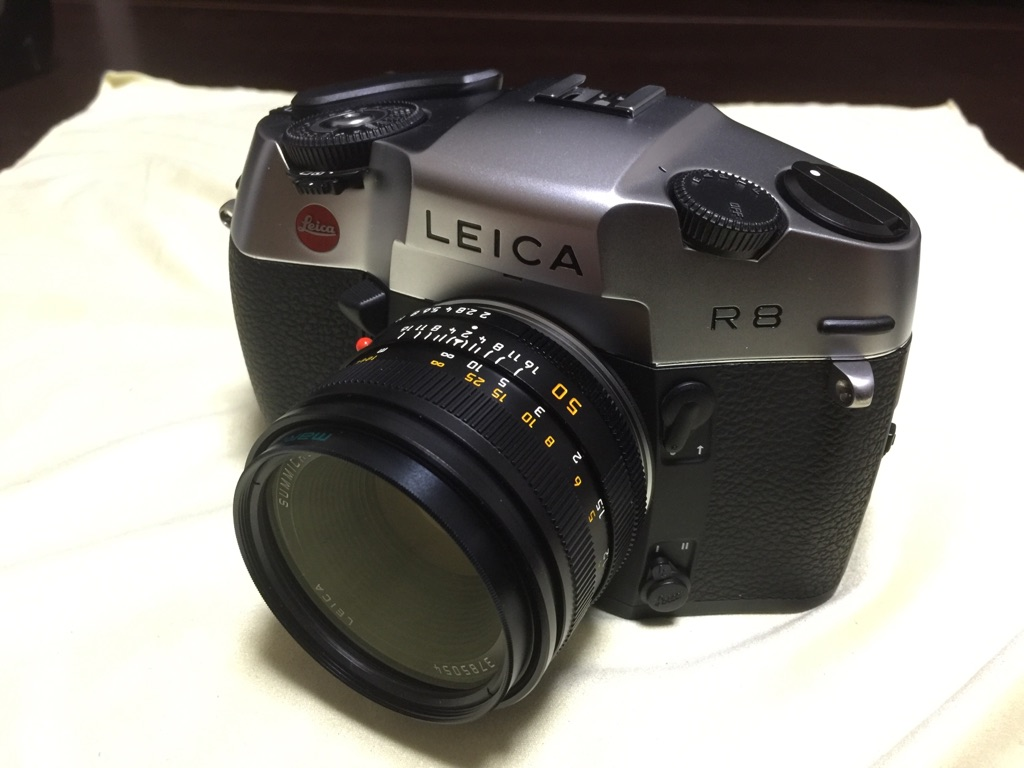 Leica R8 + Summicron-R 50mm F2.0 ROM